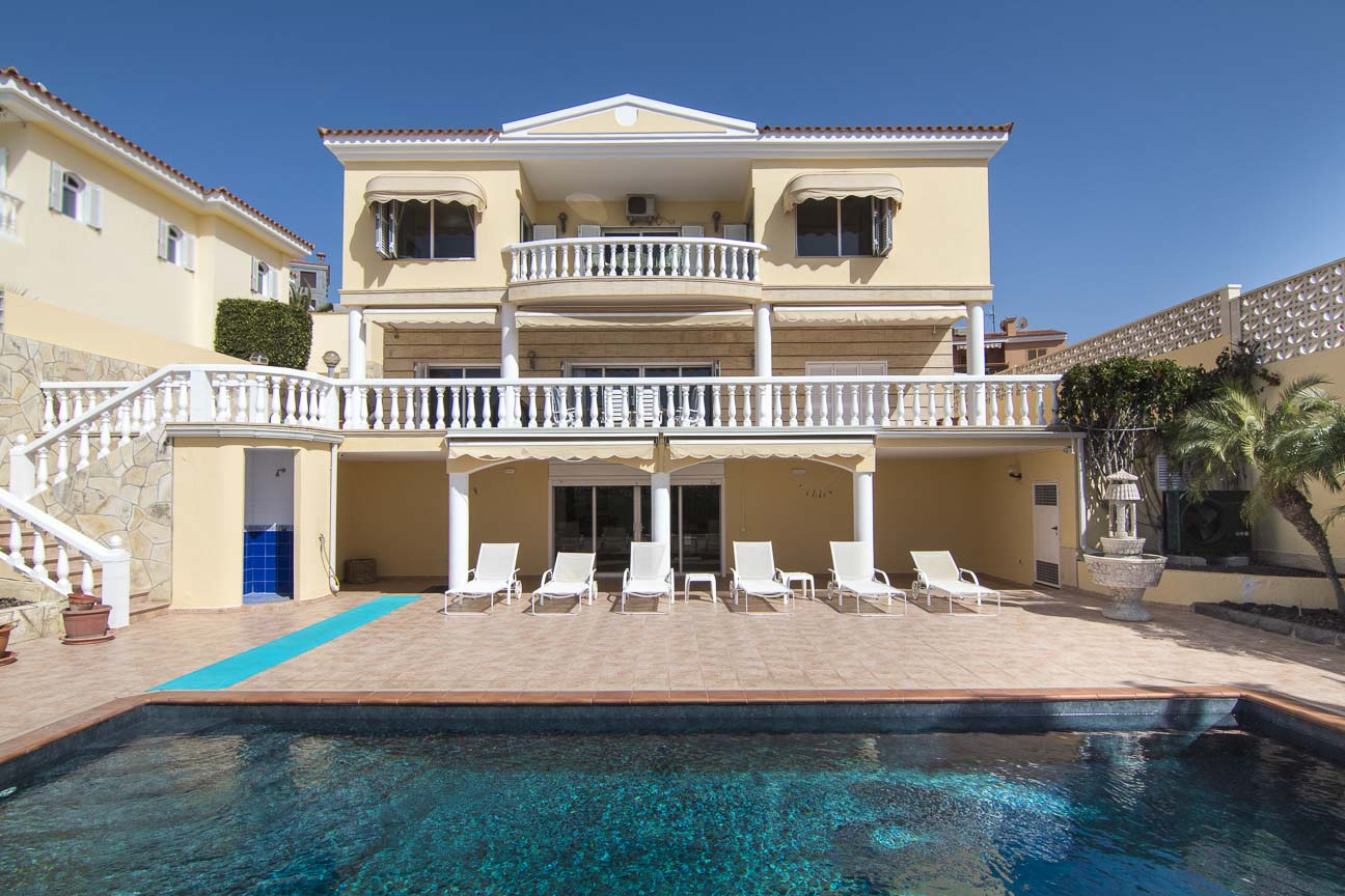 Exclusive Private Villa located in Loma Dos, Arguineguin