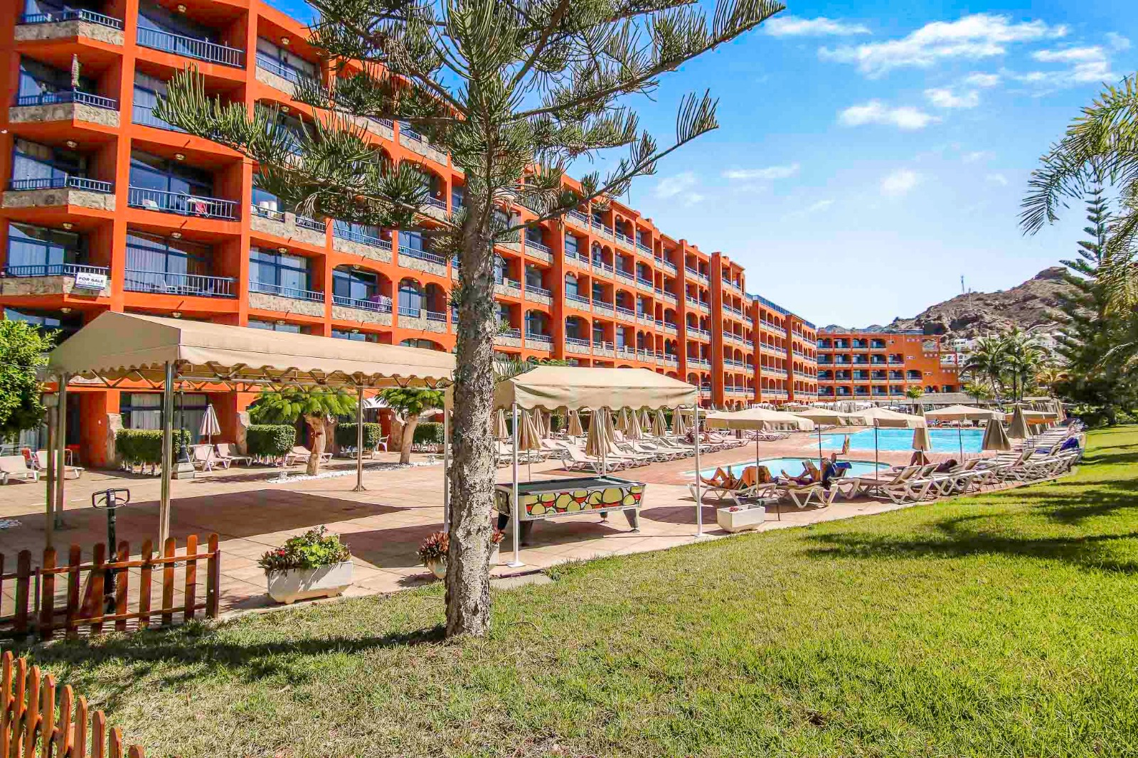 Front Line 1 Bedroom Beach Apartment with Sea Views in Riviera Marina Playa Del Cura