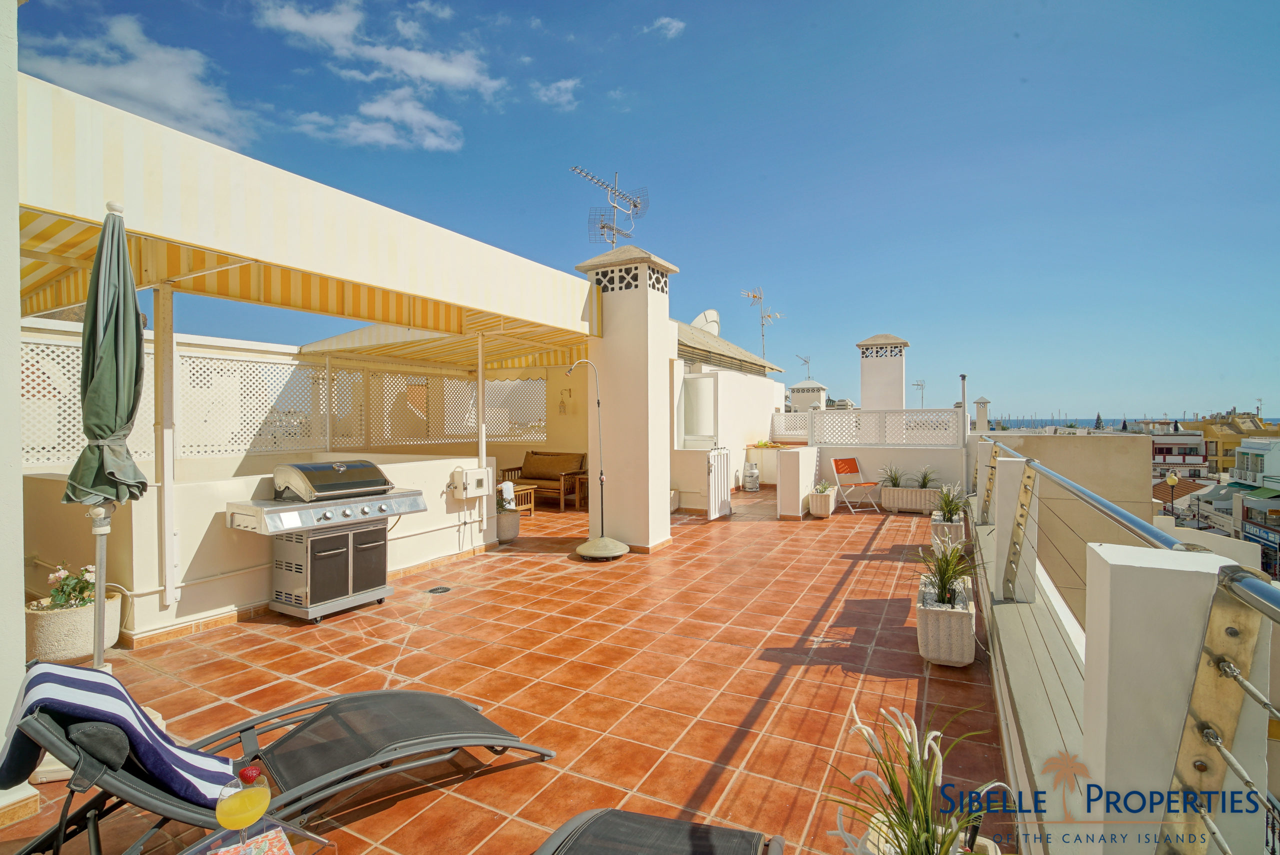 Prime Location Apartment In Puerto De Mogán With Roof Terrace
